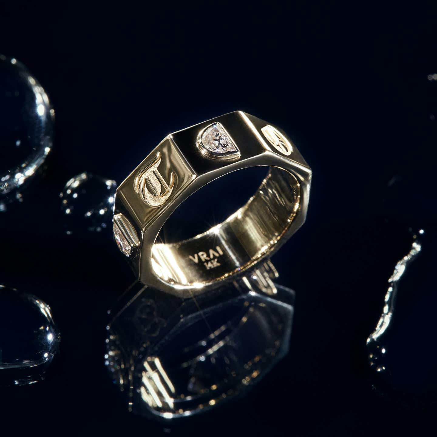 Closeup image of Contract Ring
