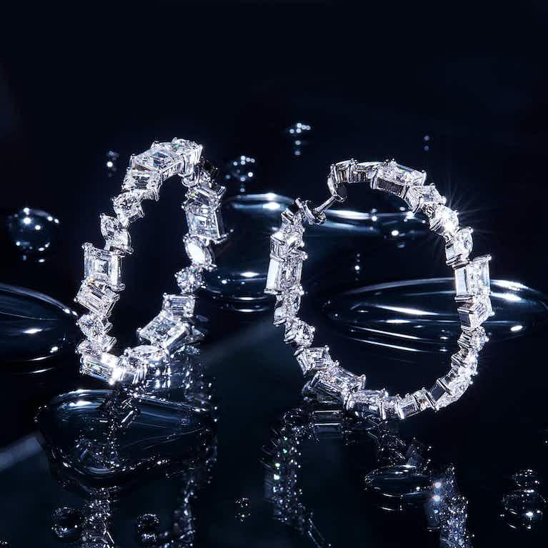 Closeup image of Illuminate Hoop