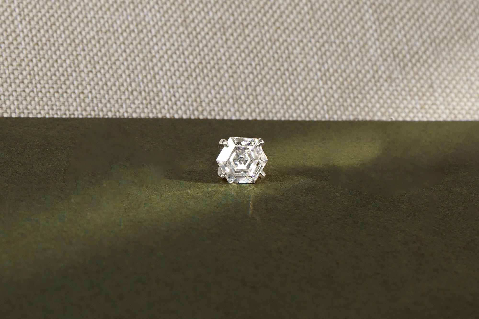 White gold iconic shapes hexagon stud