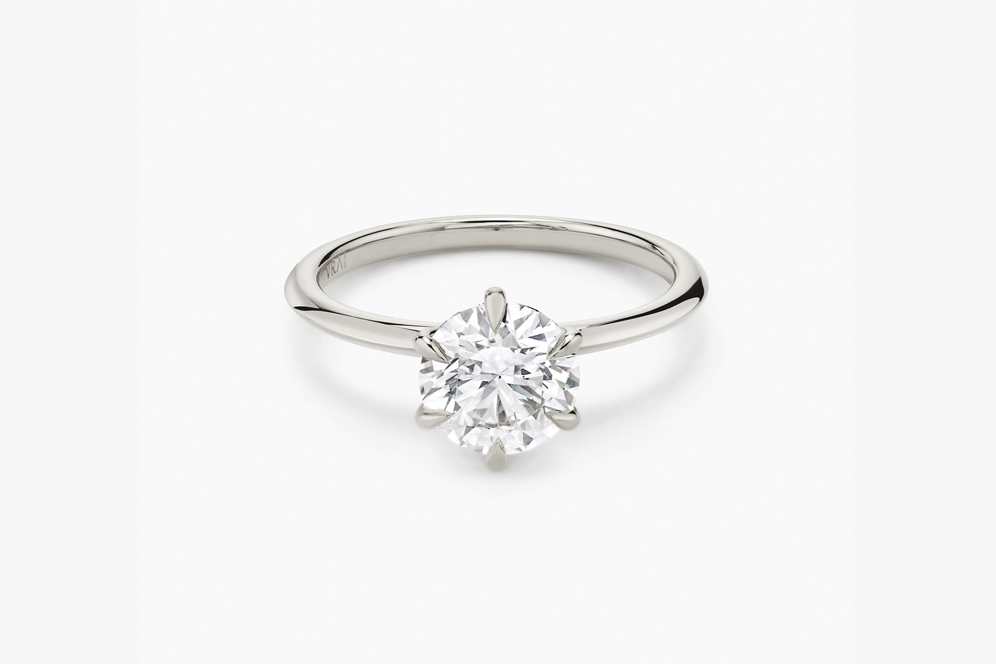 The Knife-Edge solitaire ring in platinum with a round brilliant cut diamond