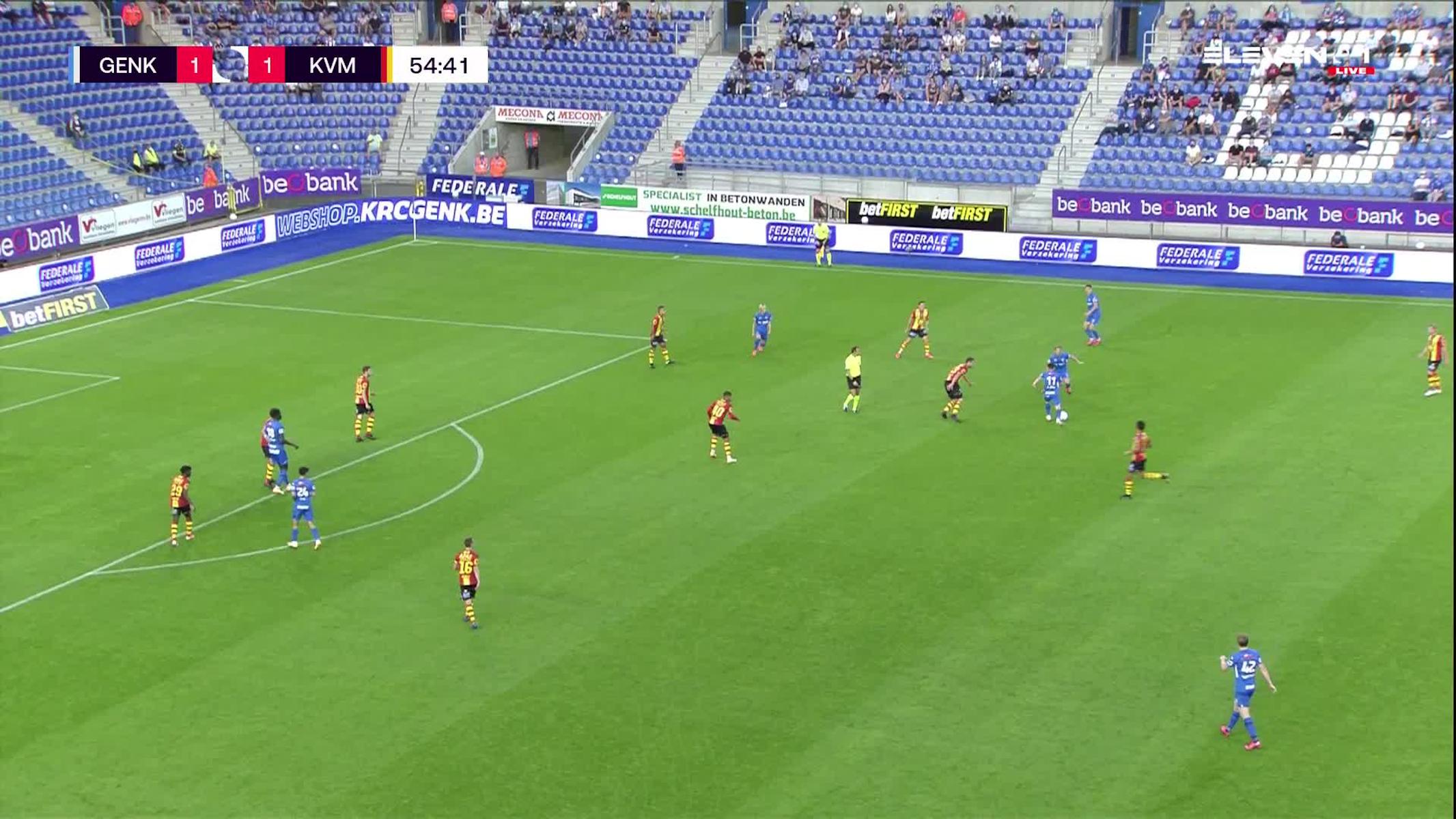 Doelpunt Junya Ito (KRC Genk vs. KV Mechelen)