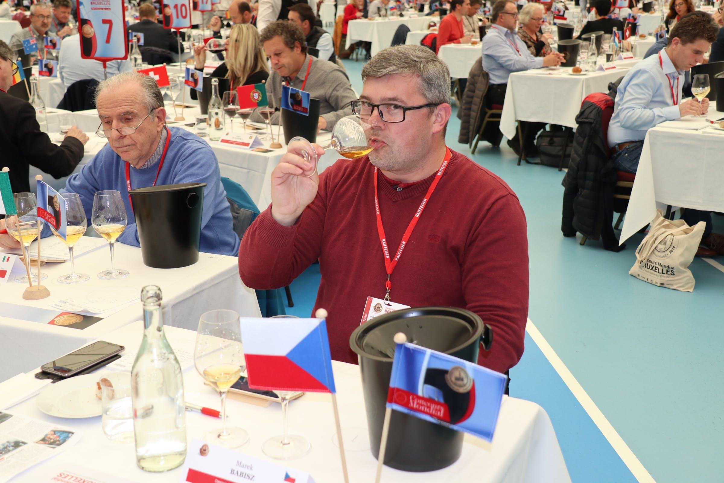 Ing. Marek Babisz, hlavní sommelier NVC ČR, který se často účastní hodnocení mezinárodních vín za Českou republiku