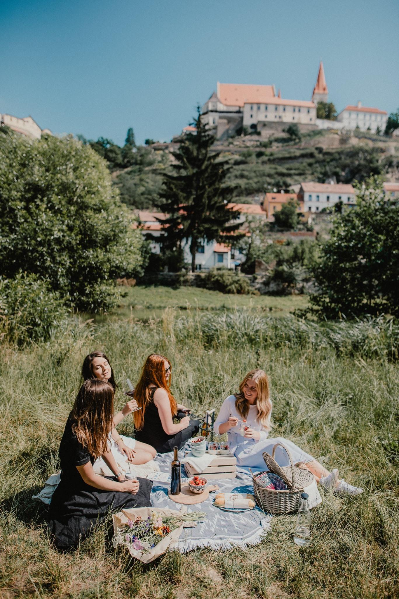 Piknik pod širým nebem s degustací vín