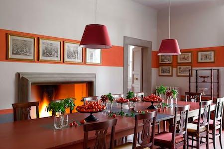 The dining room on the ground floor of Villa Tavernaccia