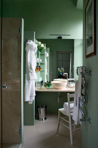 Second bathroom on the first floor of Villa Tavernaccia