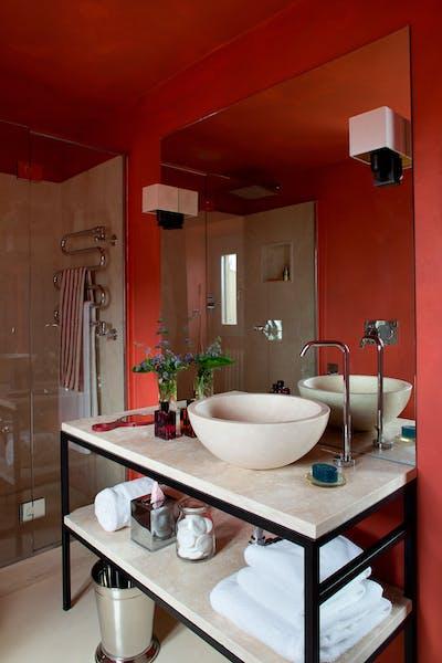 Fourth bathroom on the first floor of Villa Tavernaccia