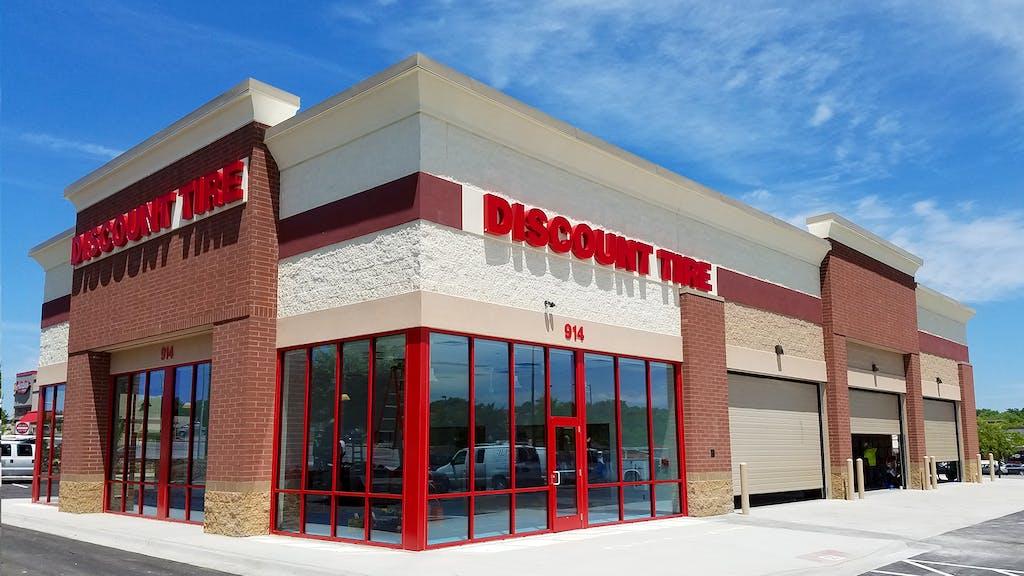 discount tire building