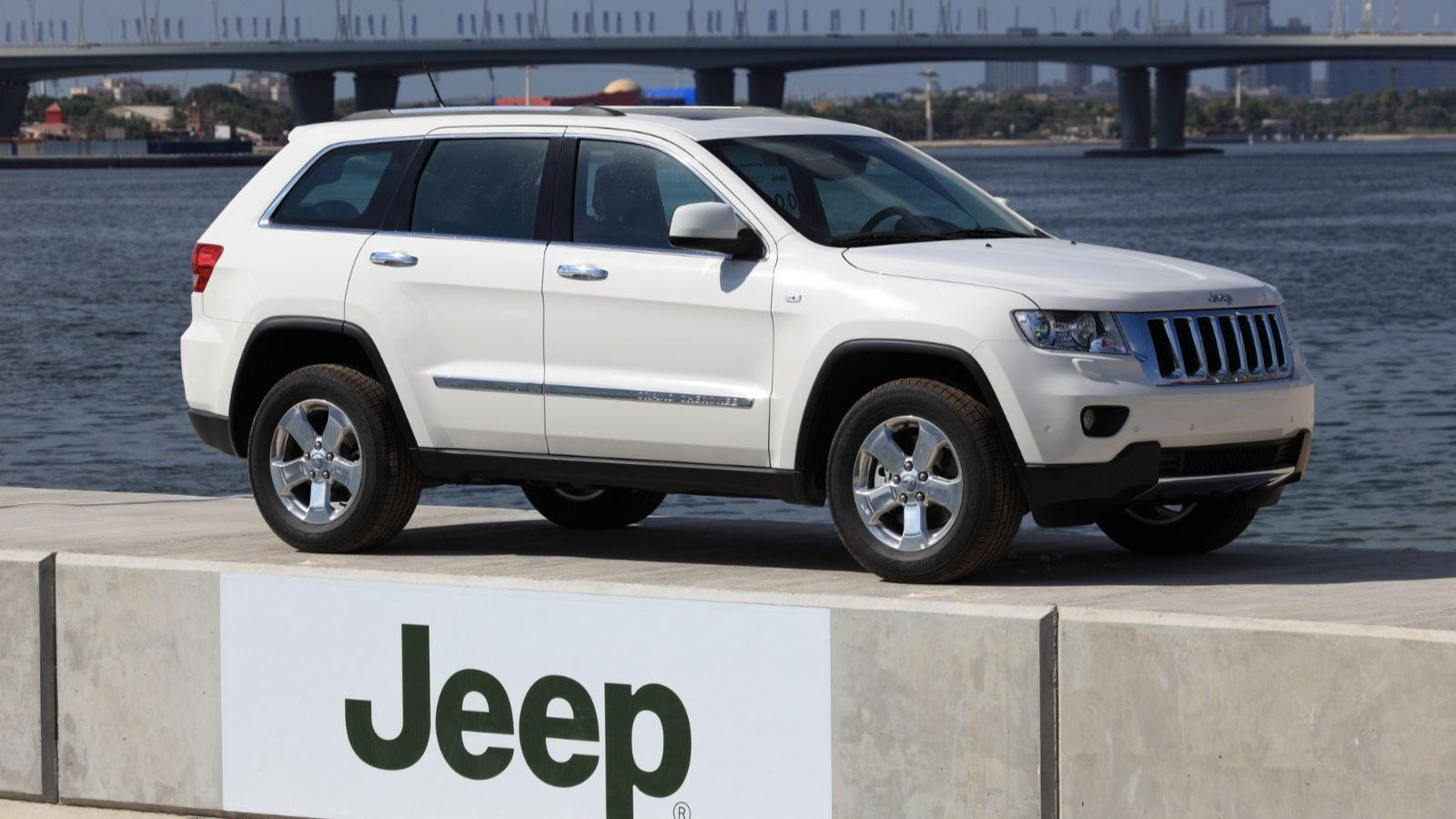 Best Tires For The Jeep Grand Cherokee Car Talk