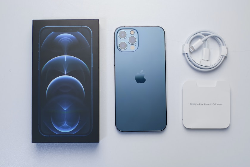 iPhone 12 Pro retail box and accessory supply