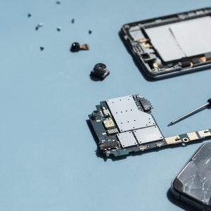 parts of a disassembled mobile phone