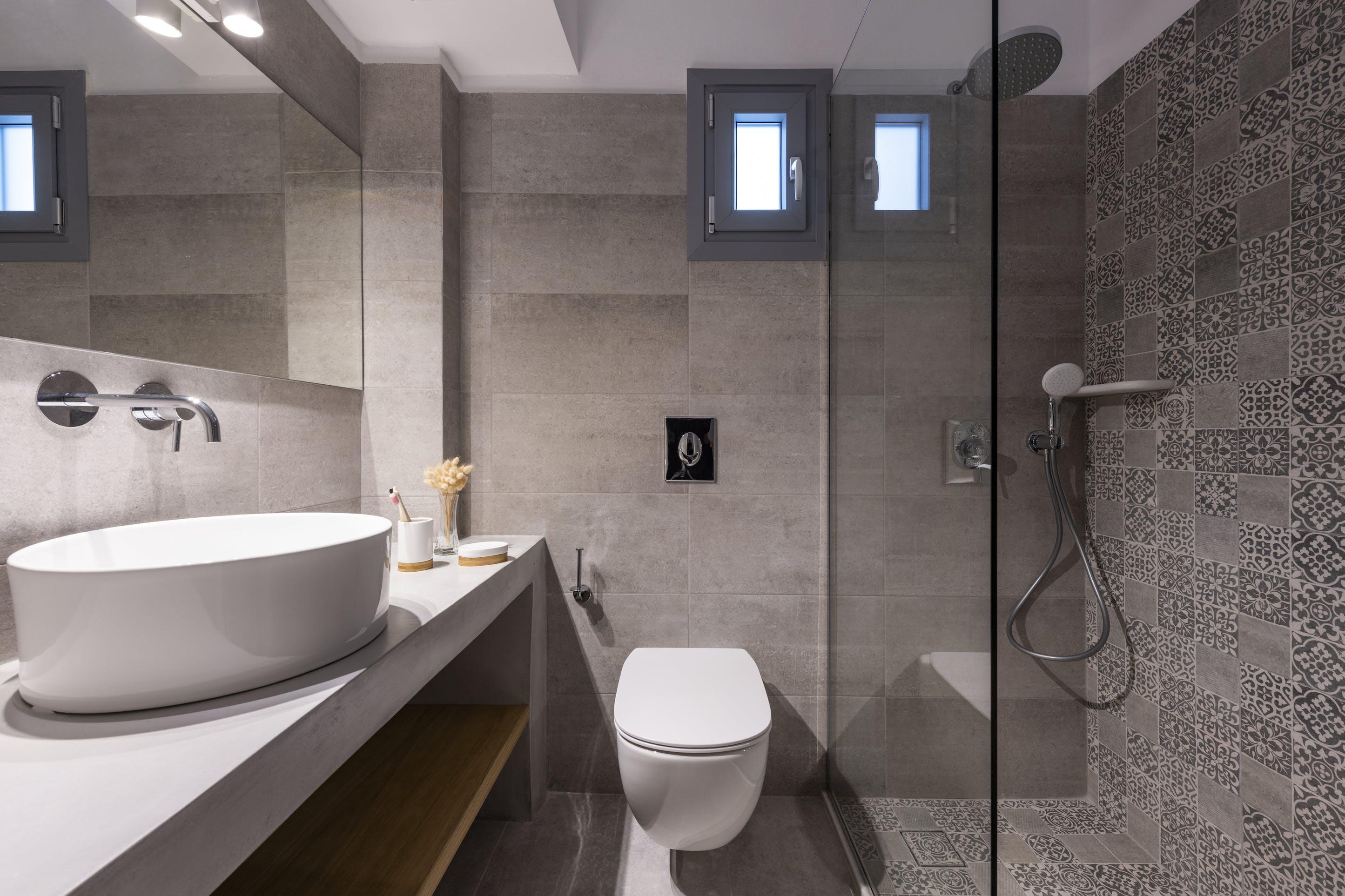 Double room bathroom 2