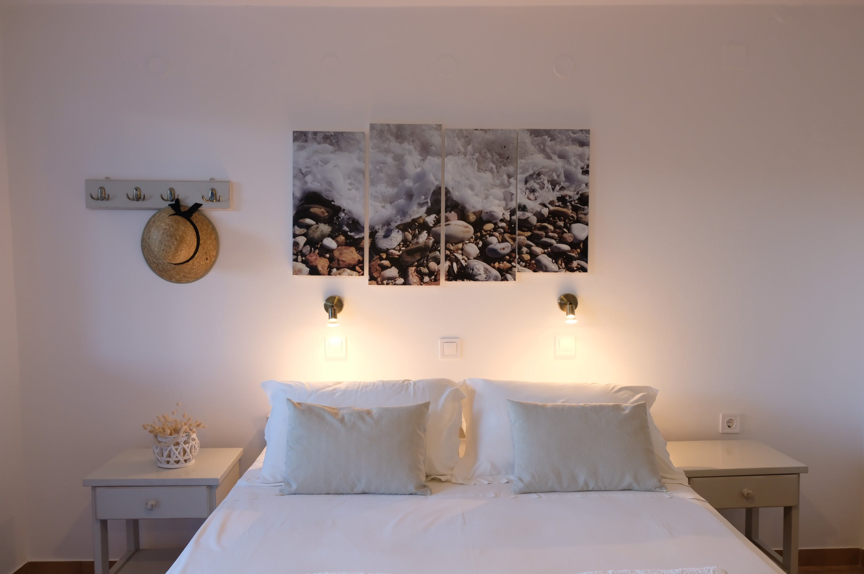 Double room bed 1