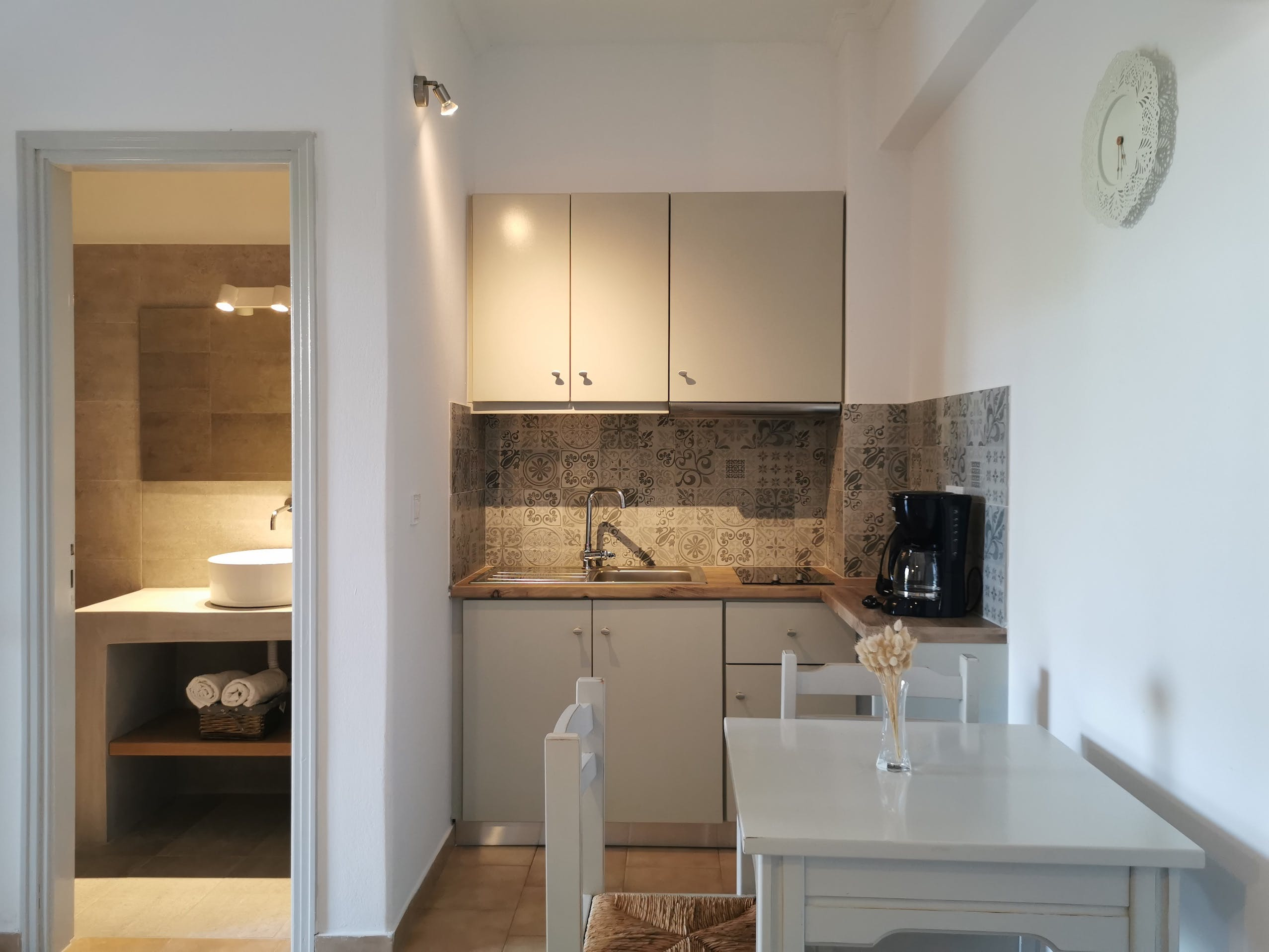 Triple room with terrace kitchen and bathroom