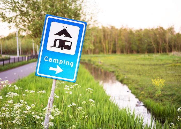 Skilt til campingplads