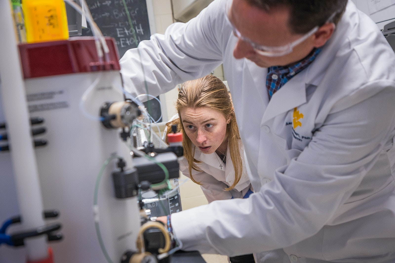 Research Programs and Labs - WVU Cancer Institute