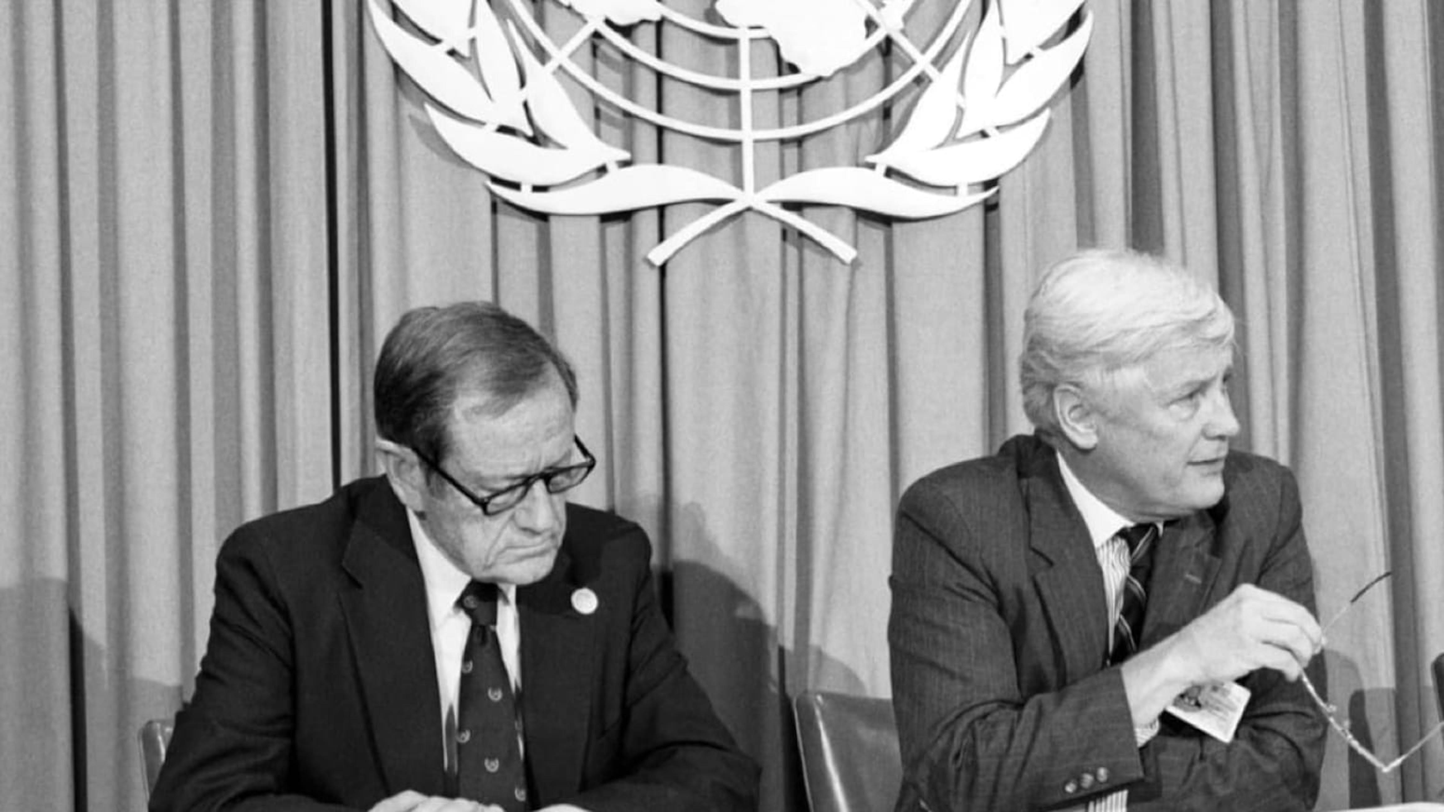 Il presidente dell'UNICEF firma la Convenzione sui diritti dei bambini