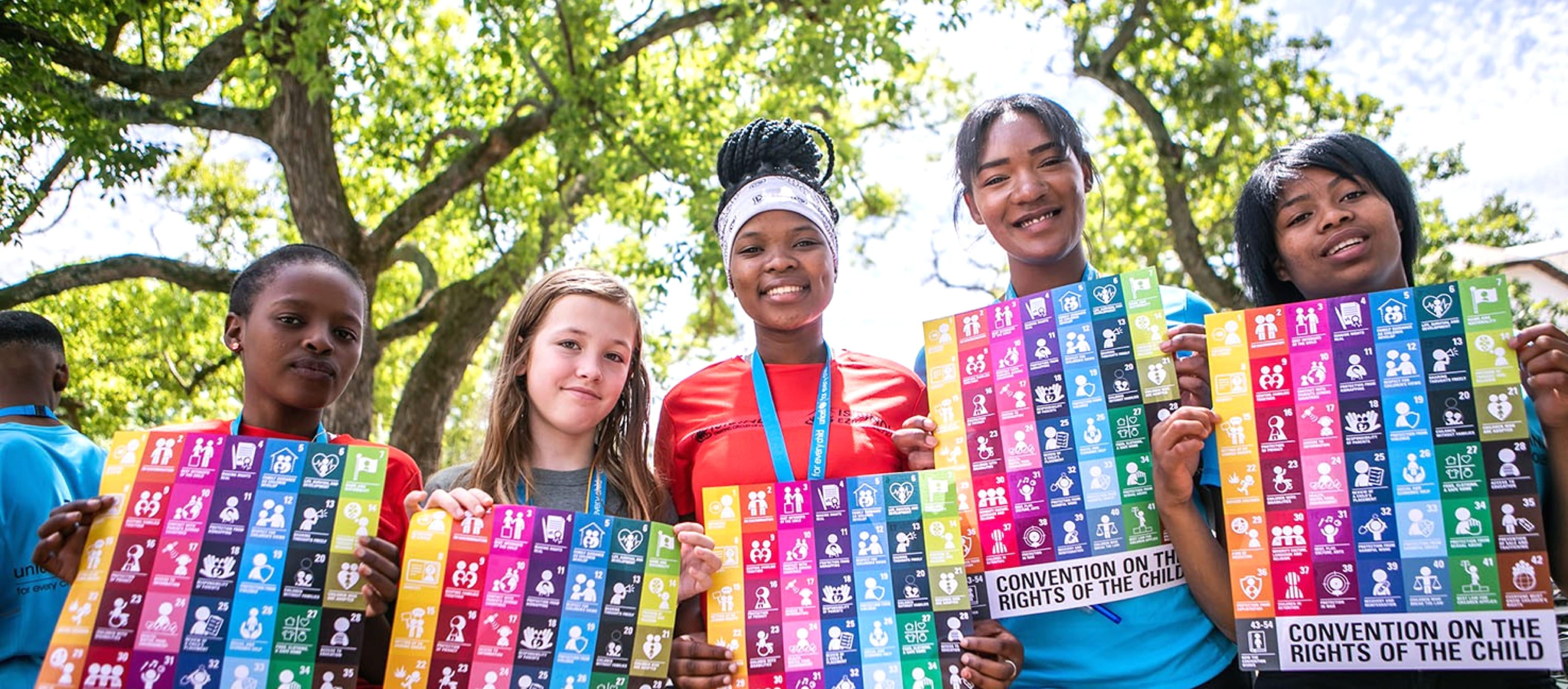 LaConvenzione sui diritti dell'infanzia e dell'adolescenzaè il riferimento principale dell'UNICEF