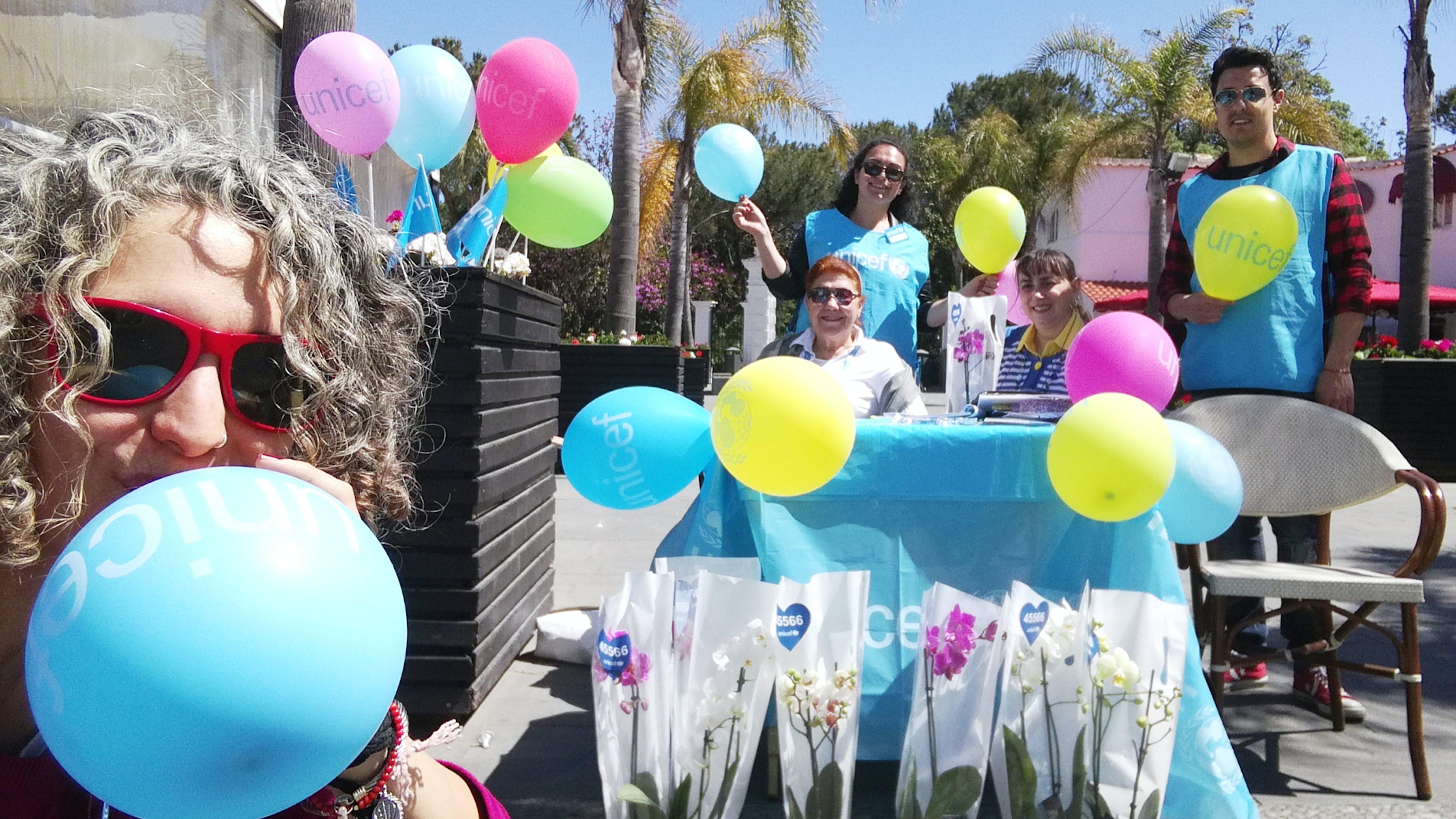 Il coloratissimo gruppo UNICEF di Ischia