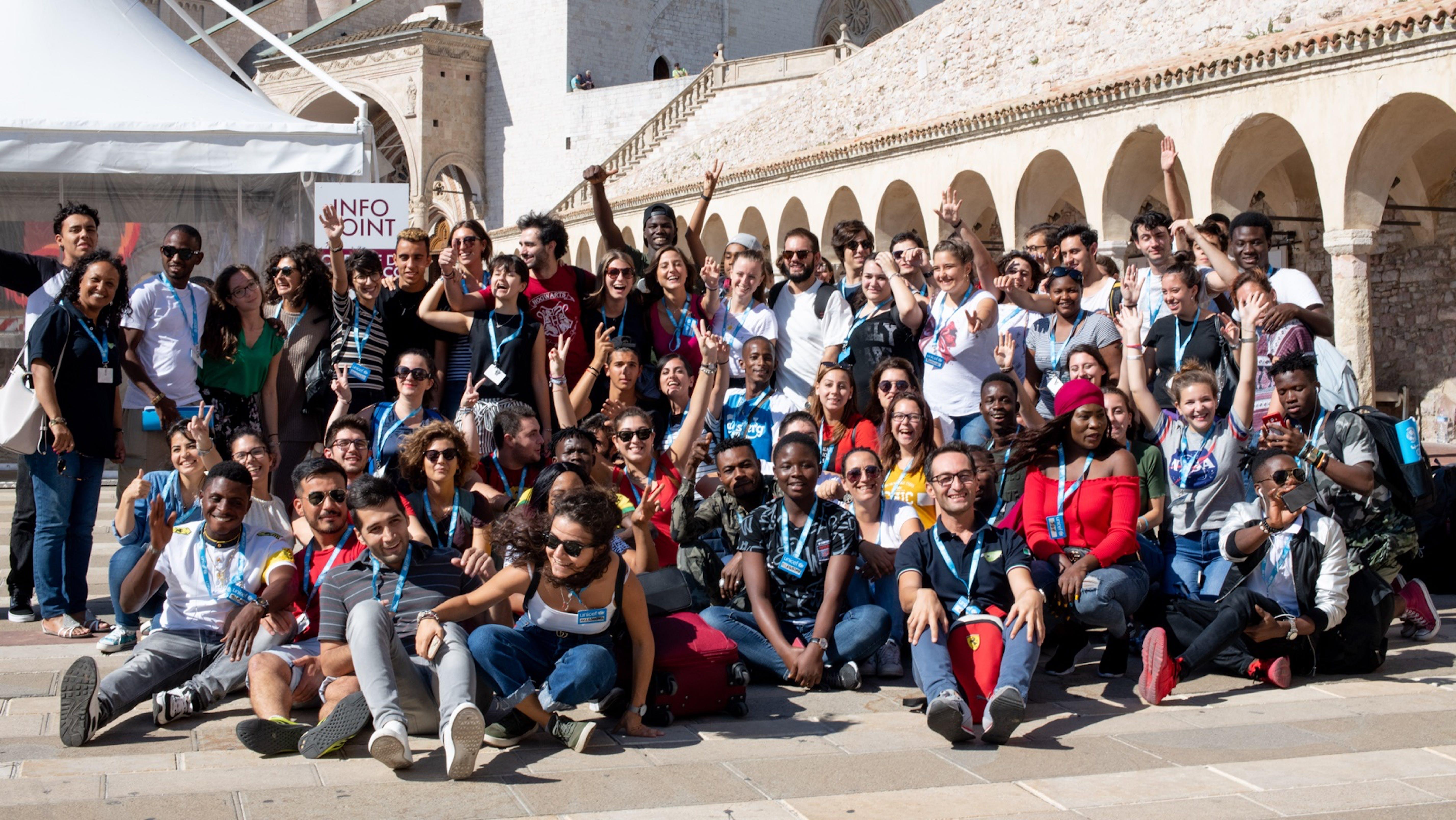 Gruppo di volontari YOUNICEF ad Assisi