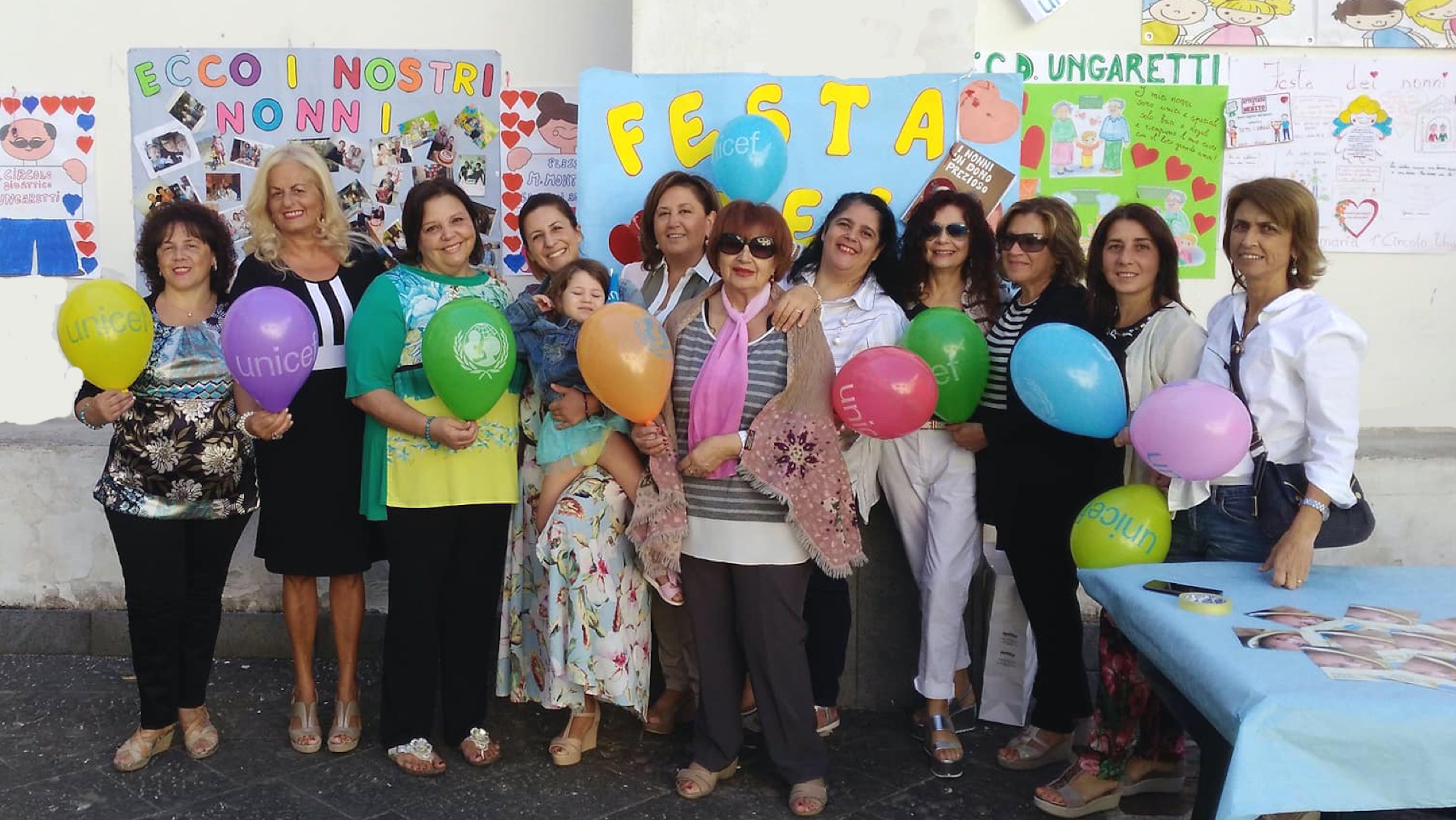 La Festa dei Nonni insieme a Vanna e il gruppo di Gragnano, a Napoli