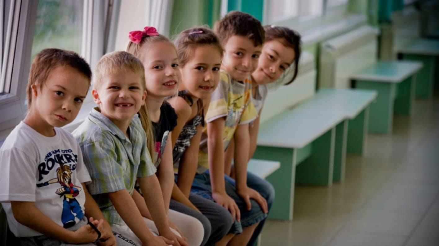 Bambini in un centro per l'infanzia in Ucraina