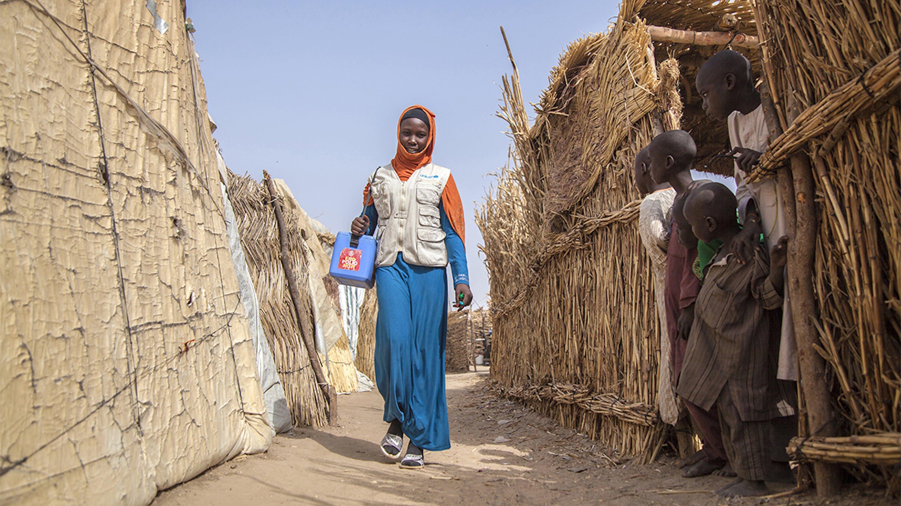 Nigeria, Aisha Mohammed fa parte dell'équipe di vaccinazione contro la polio nel campo di Muna Garage, Maiduguri