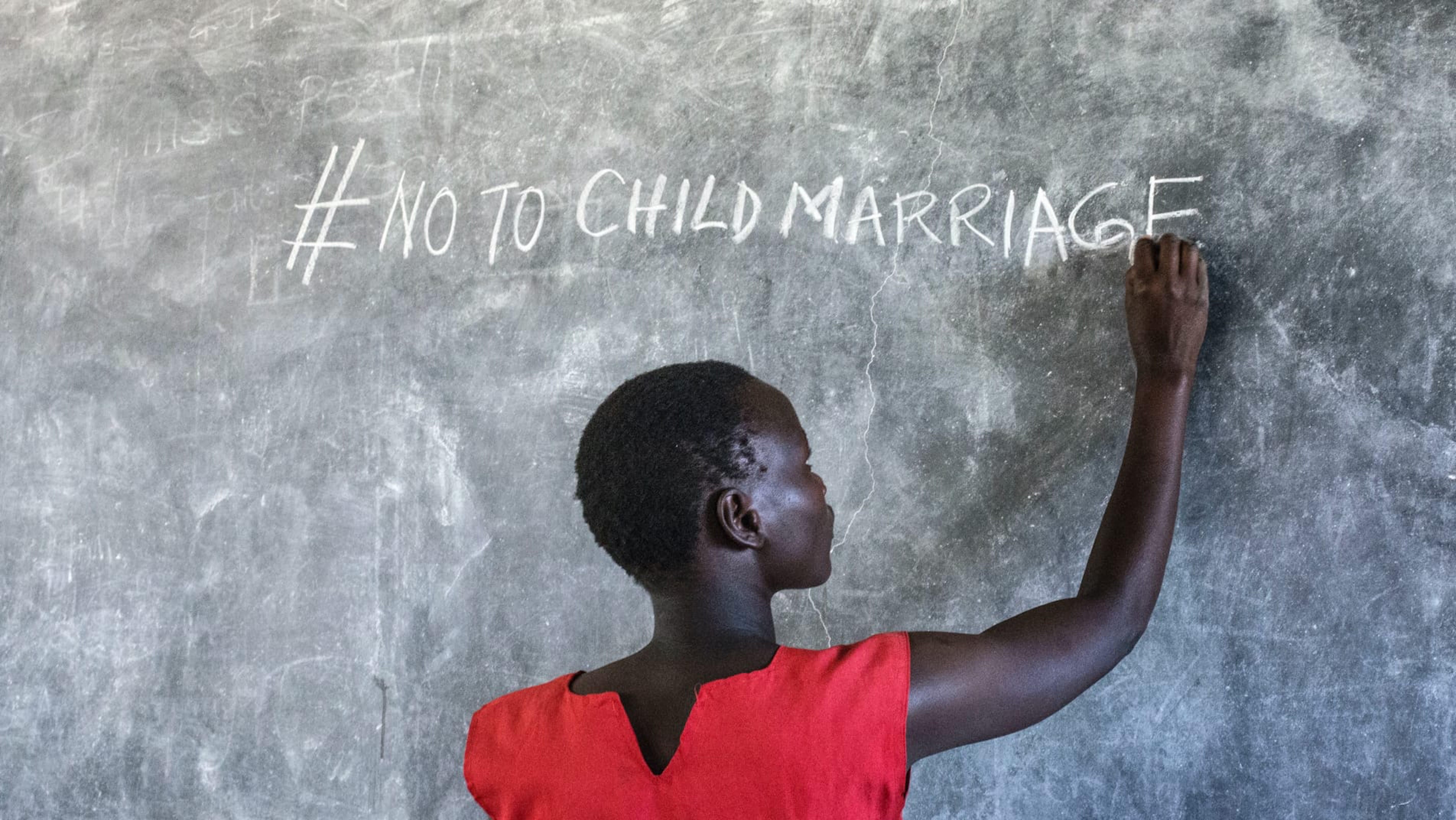 Uganda, la giovane F.Harriet da poco tornata nella sua classe, è stata salvata da un matrimonio forzato.