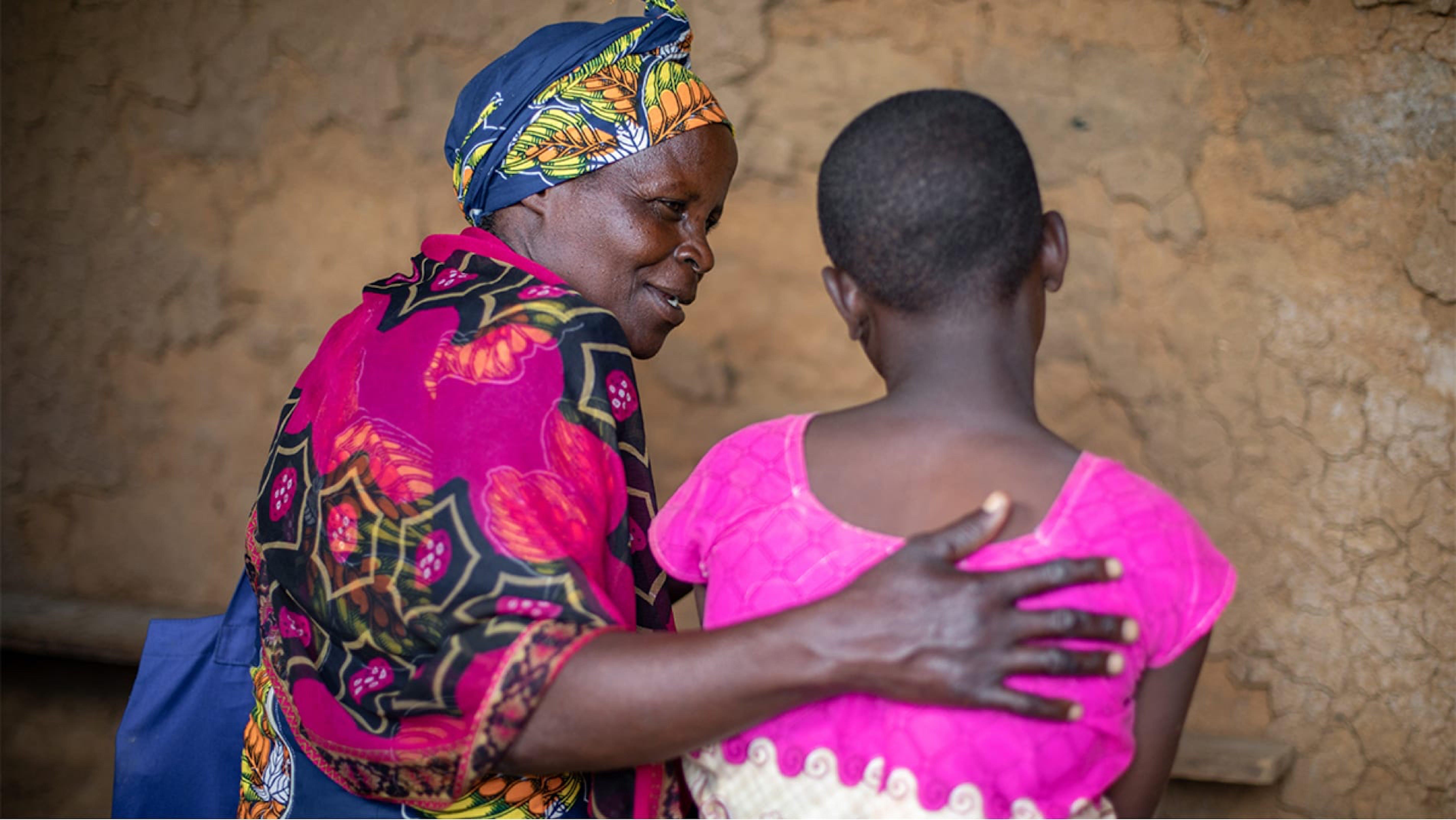 Ruanda, una volontaria comunitaria che aiuta le ragazze vittime di violenza.