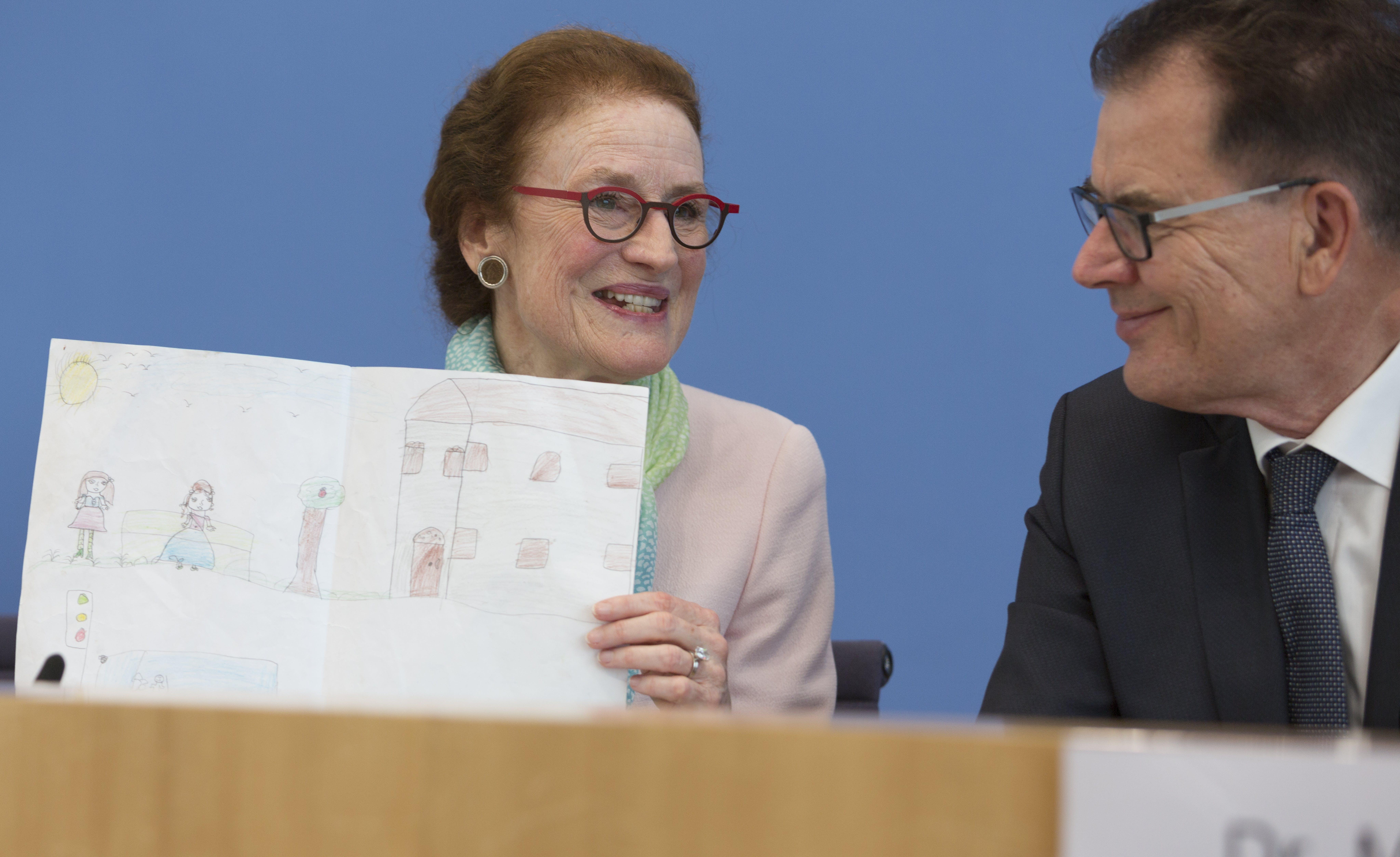 Henrietta Fore in una conferenza stampa federale a Berlino