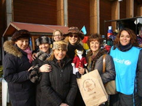 Daniela Poggi con i volontari del Comitato di Torino