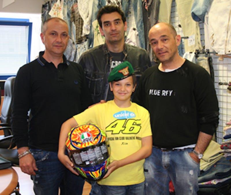 Montesilvano, casco di Valentino Rossi all'asta per ponte di solidarietà  L'Aquila - Haiti