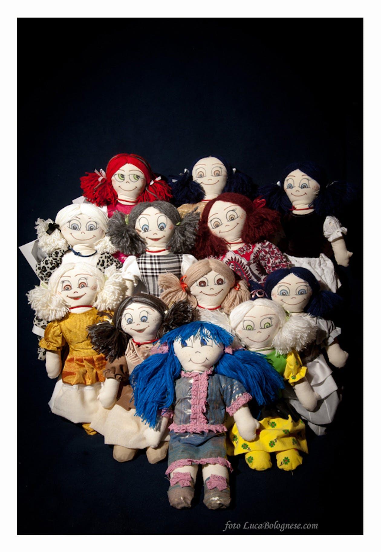 Carcere Dozza: a Bologna mille bambole cucite per beneficenza
