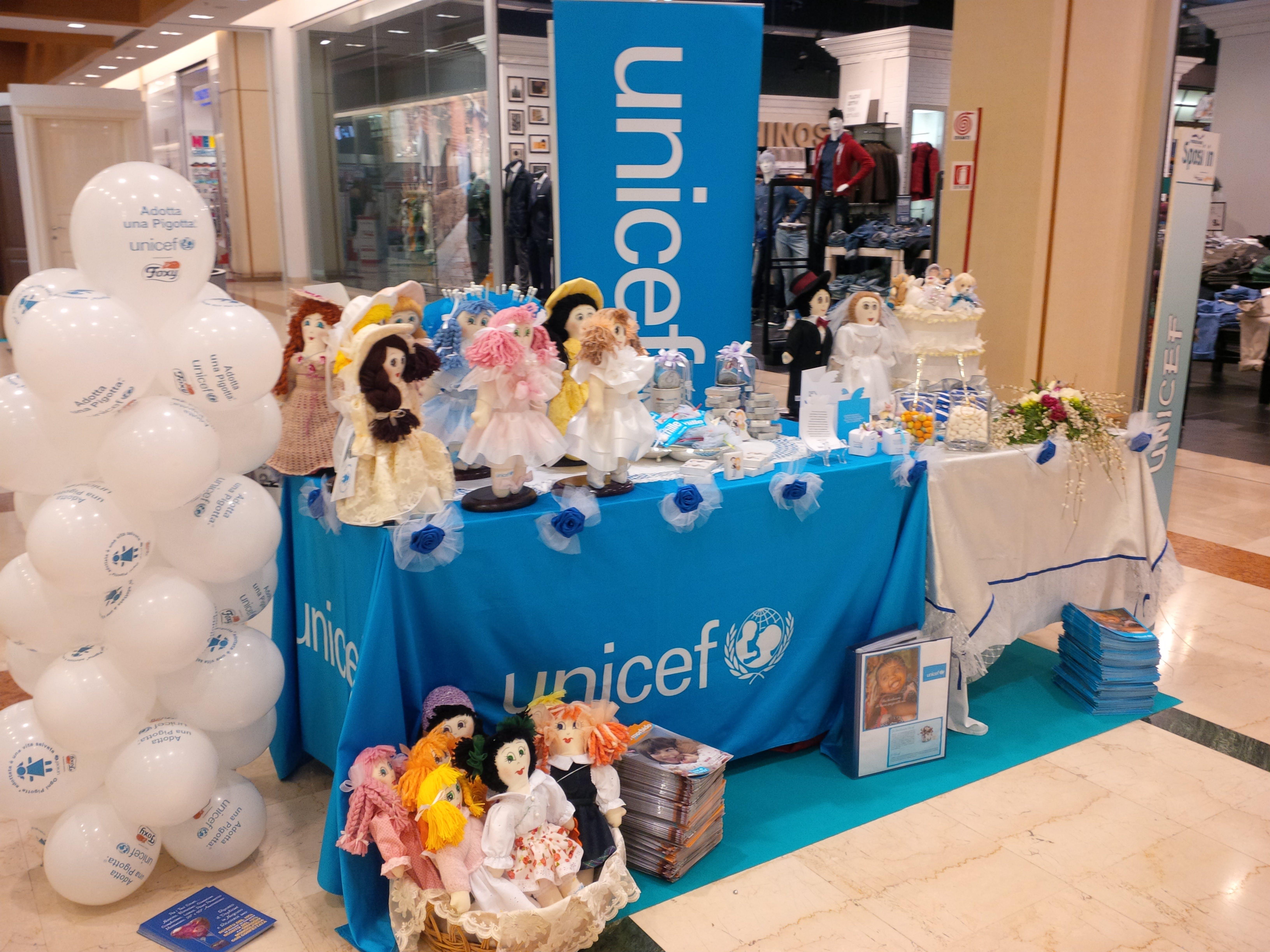 Pescara: le bomboniere UNICEF alla fiera
