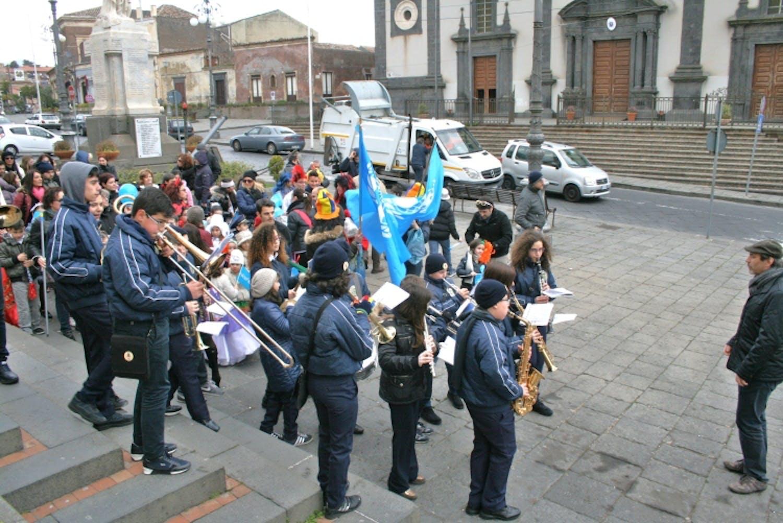 Pedara (CT): sfilata per l'UNICEF, a Carnevale
