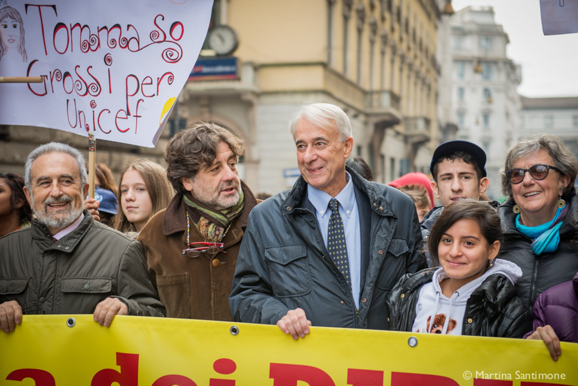 Milano in marcia per celebrare il 25° compleanno della Convenzione dei Diritti dell'Infanzia e dell'Adolescenza