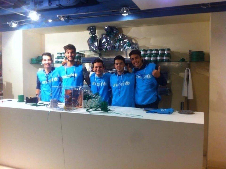 I volontari UNICEF di Catania impegnati per un regalo straordinario