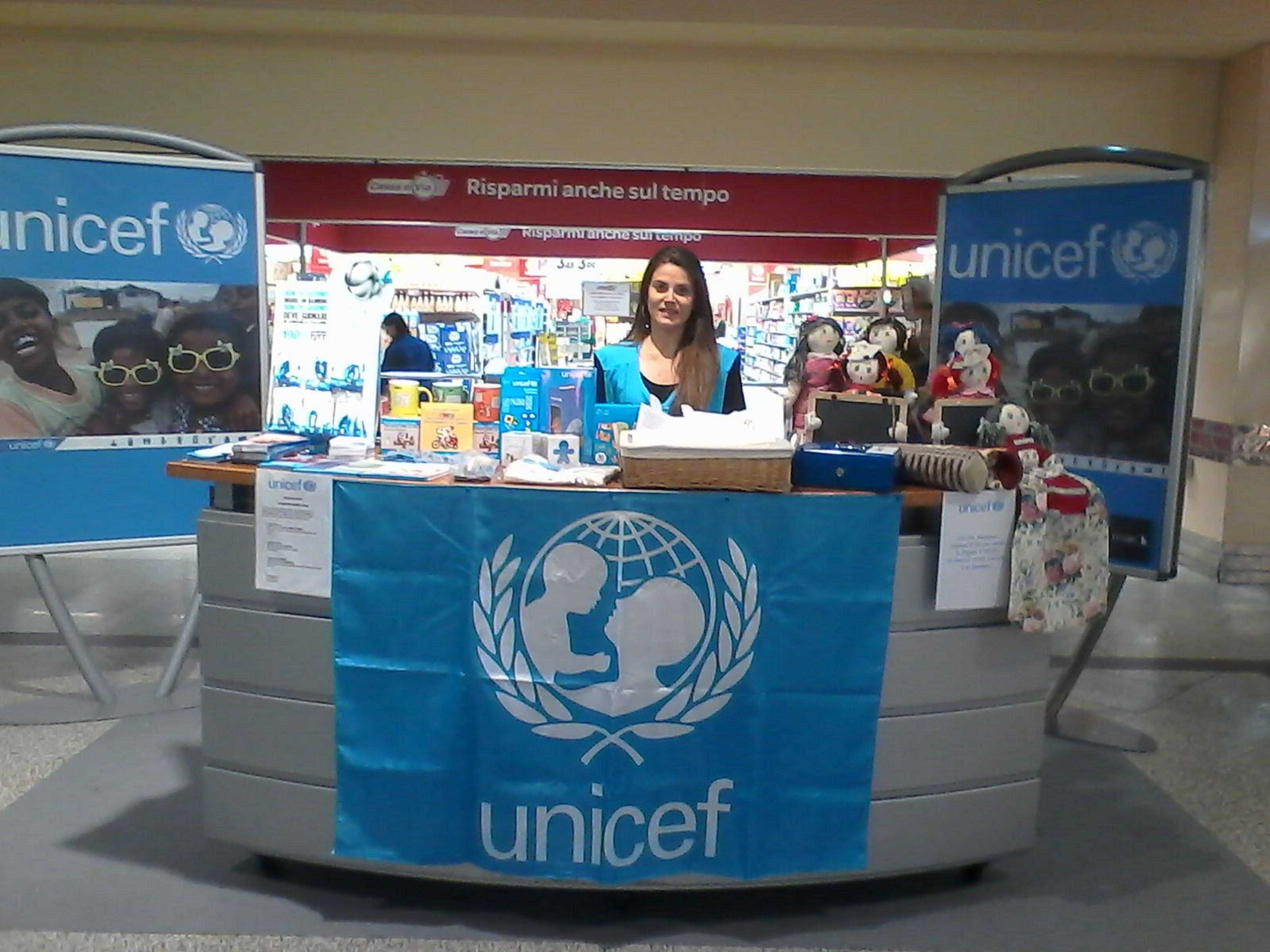 L'UNICEF vi aspetta nel Centro Commerciale Le Gru di Grugliasco (TO)