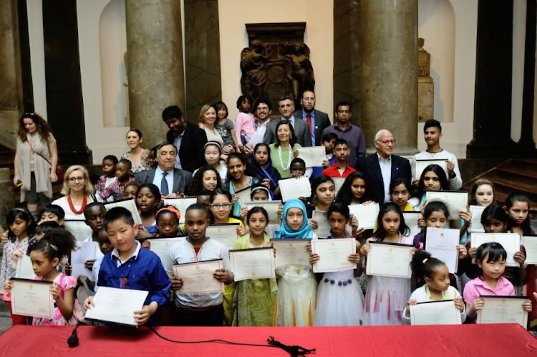 Palermo consegna la cittadinanza onoraria a 52 bambini stranieri nati in Italia