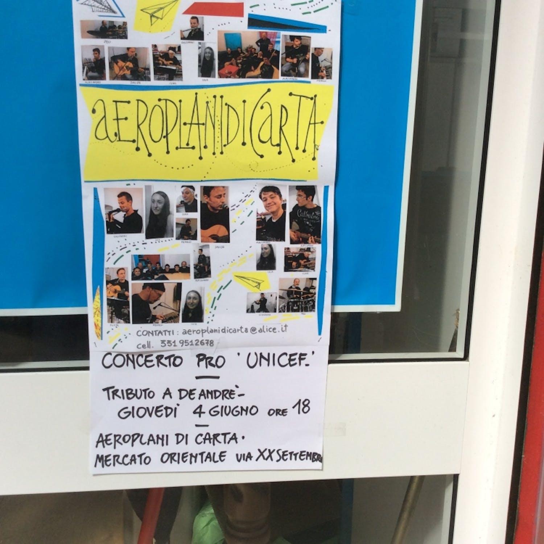 Genova: gli Aeroplani di Carta suonano gli ideali dell'UNICEF