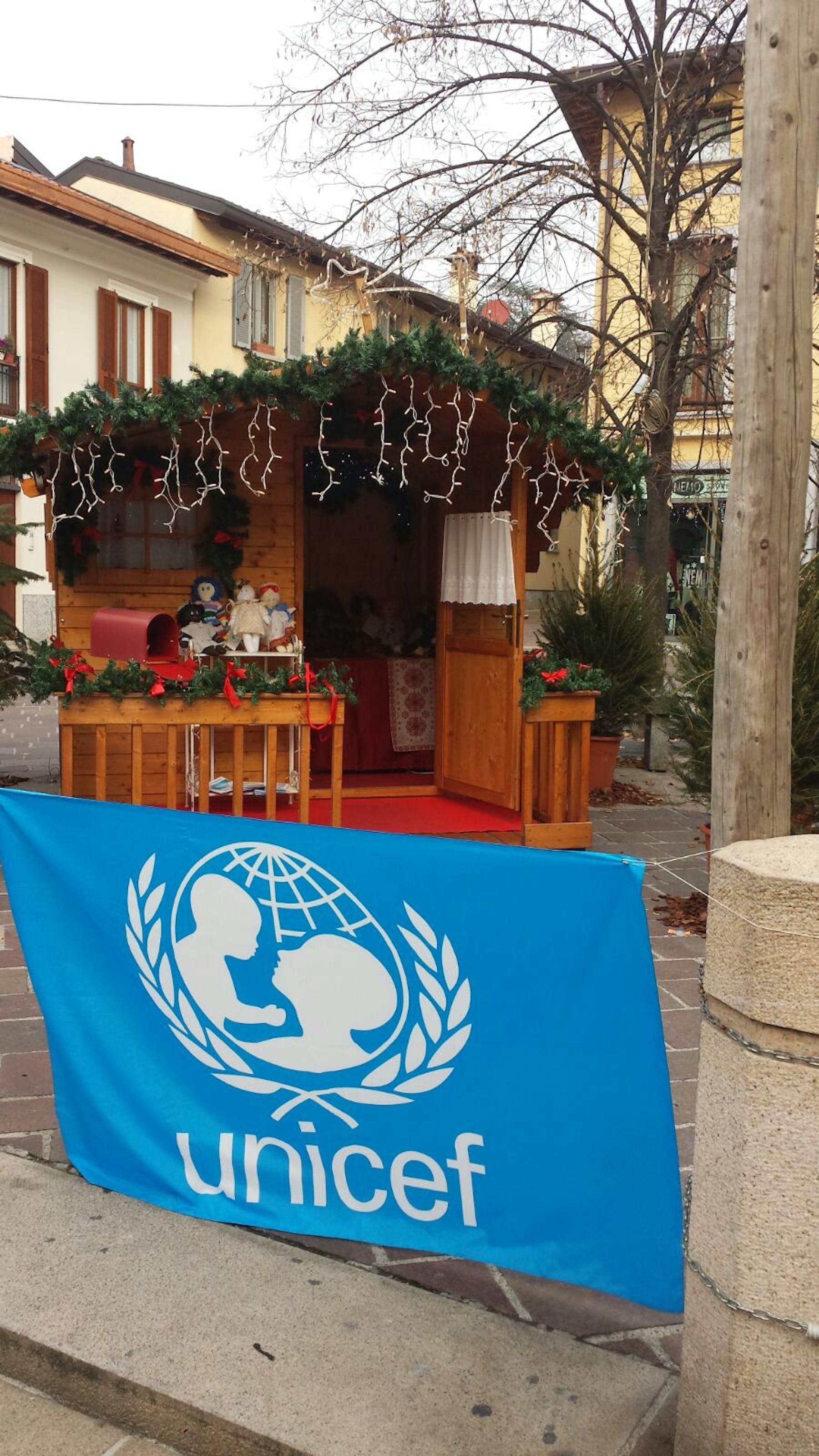 Seregno: la casetta di Babbo Natale è targata UNICEF