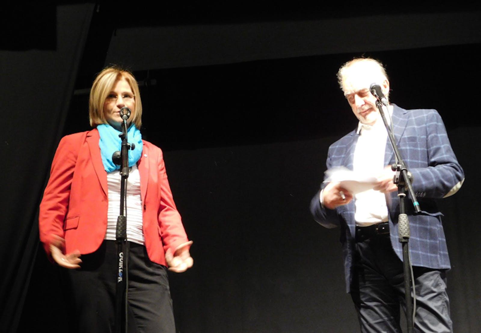 Anna Miccoli con il giornalista Claudio Pollastri