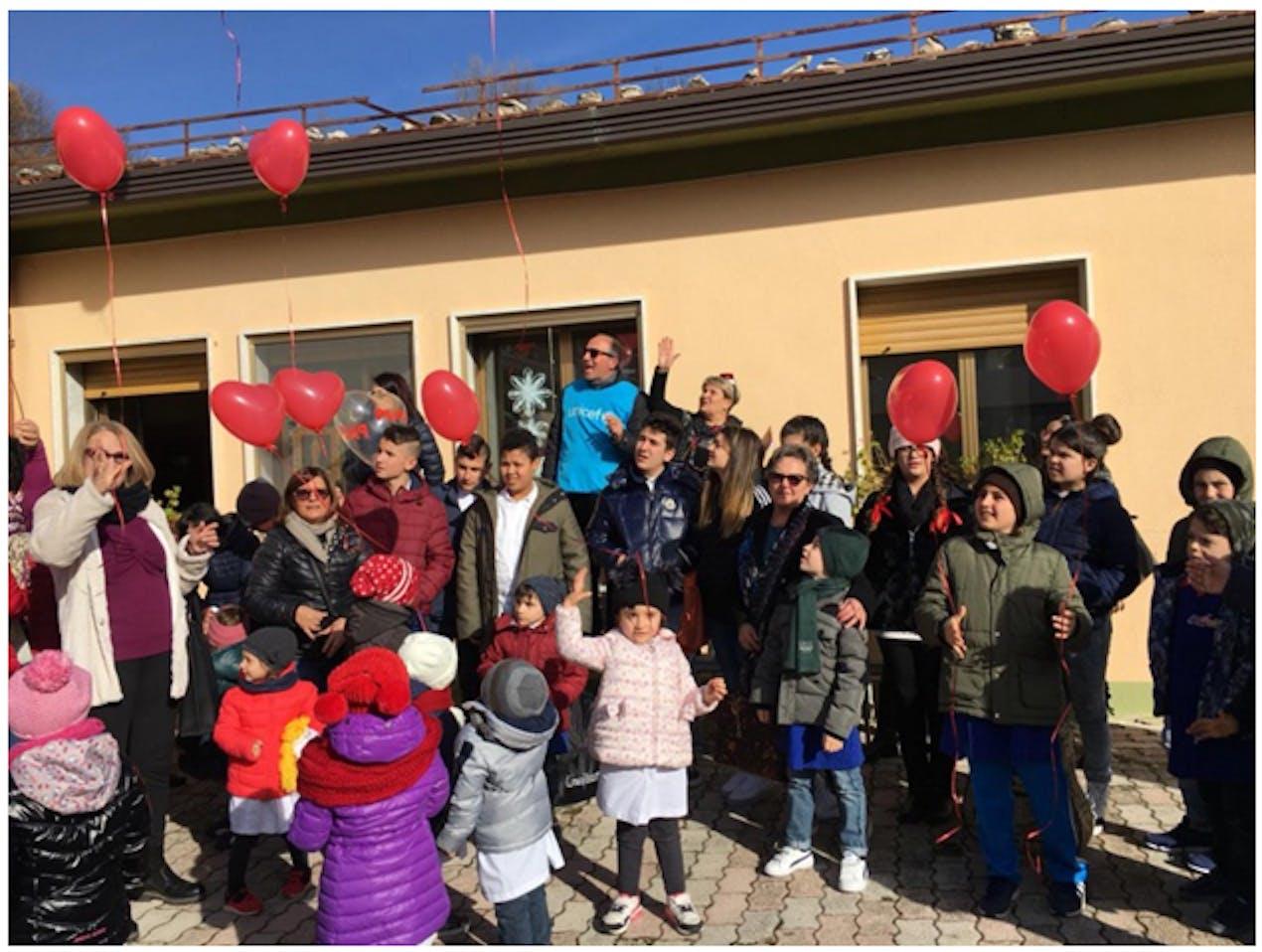 Maria Teresa Angiolillo, Mario Coviello, Filomena Pinto, bambini, docenti e genitori.