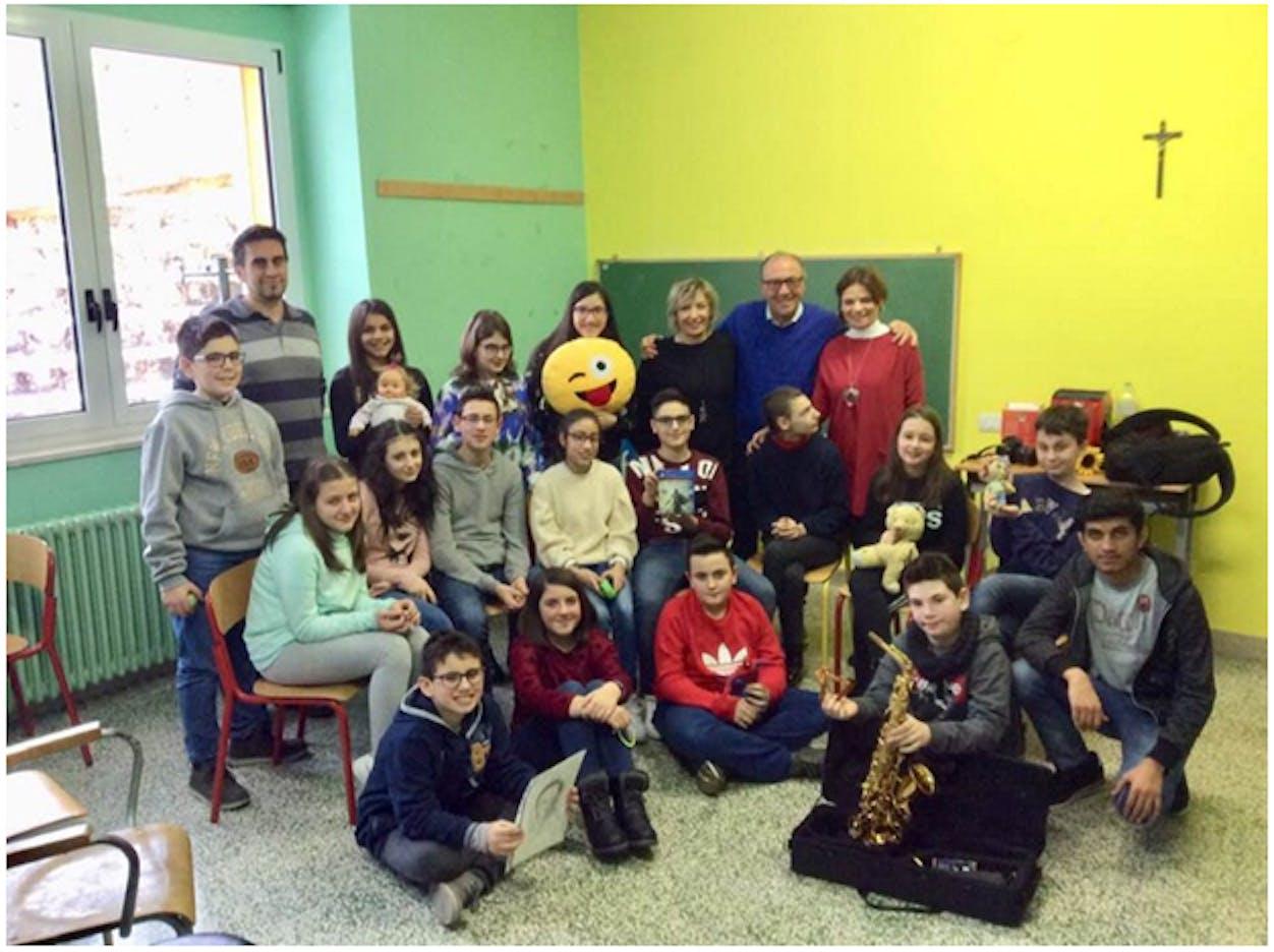 La scuola media di Rapone con Mario Coviello, Angelo Summa, Sabrina Fezzuoglio, Mirella Pierri e Tina Zappacosta