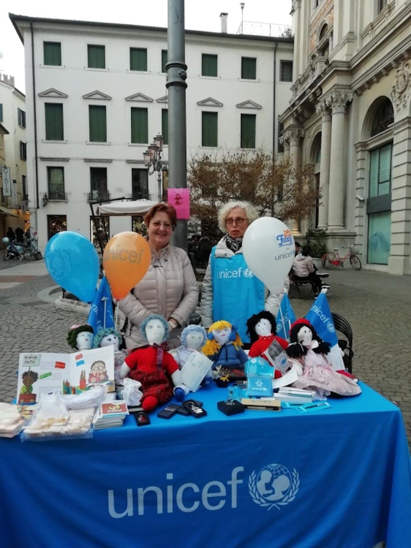 Partecipazione al Carnevale trevigiano alla Loggia dei Cavalieri con mercatino di Pigotte e articoli UNICEF