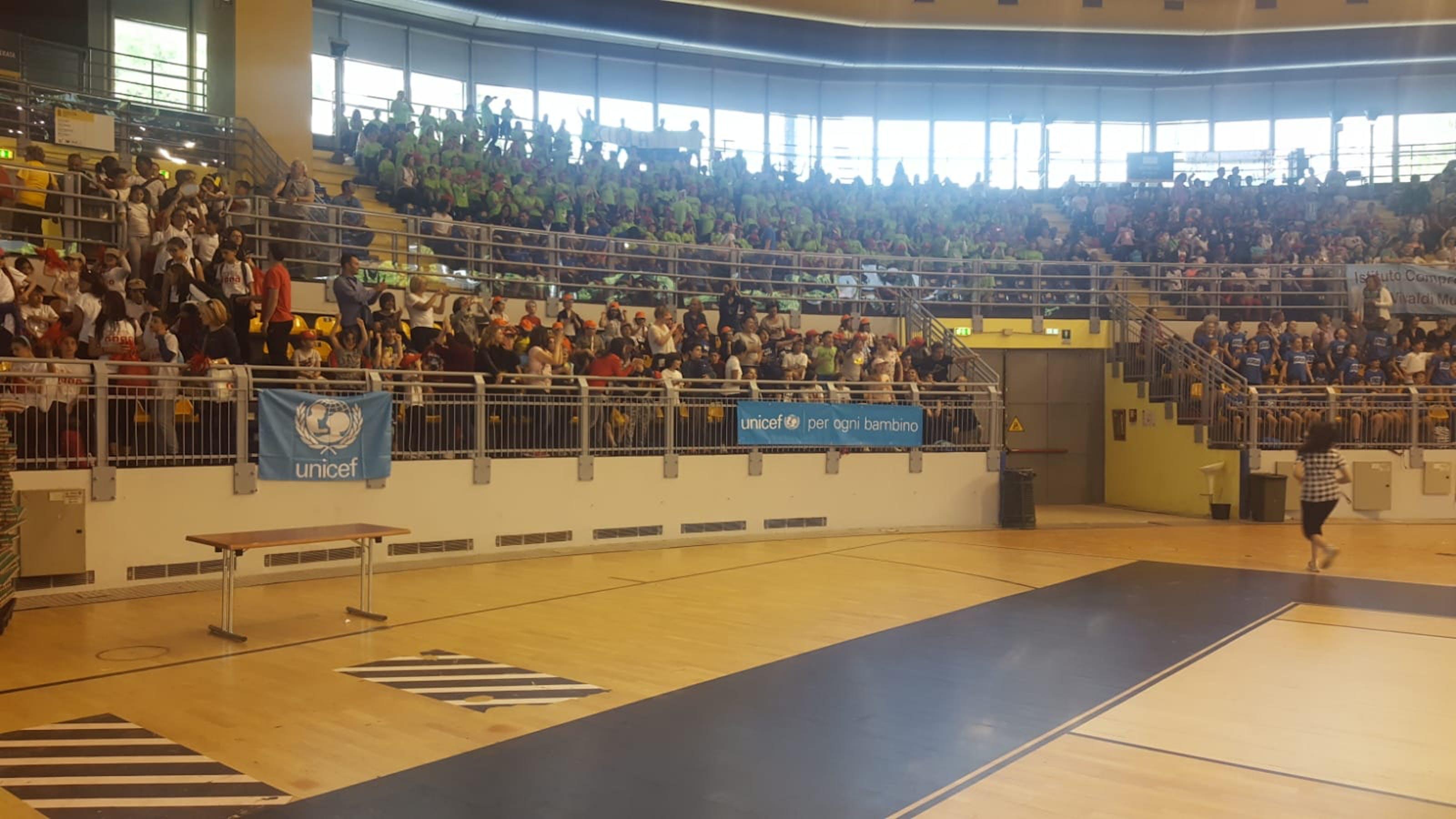 """""""Un Giorno per Sport"""" con quattromila studenti e l'UNICEF al Parco Ruffini di Torino"""