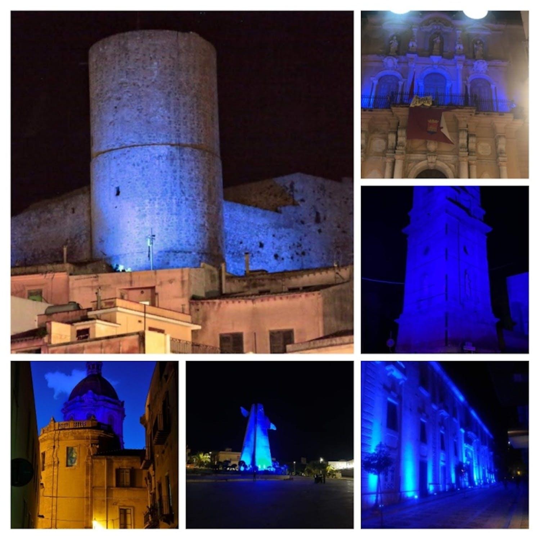 Collage dei monumenti illuminati di blu nella provincia di Trapani