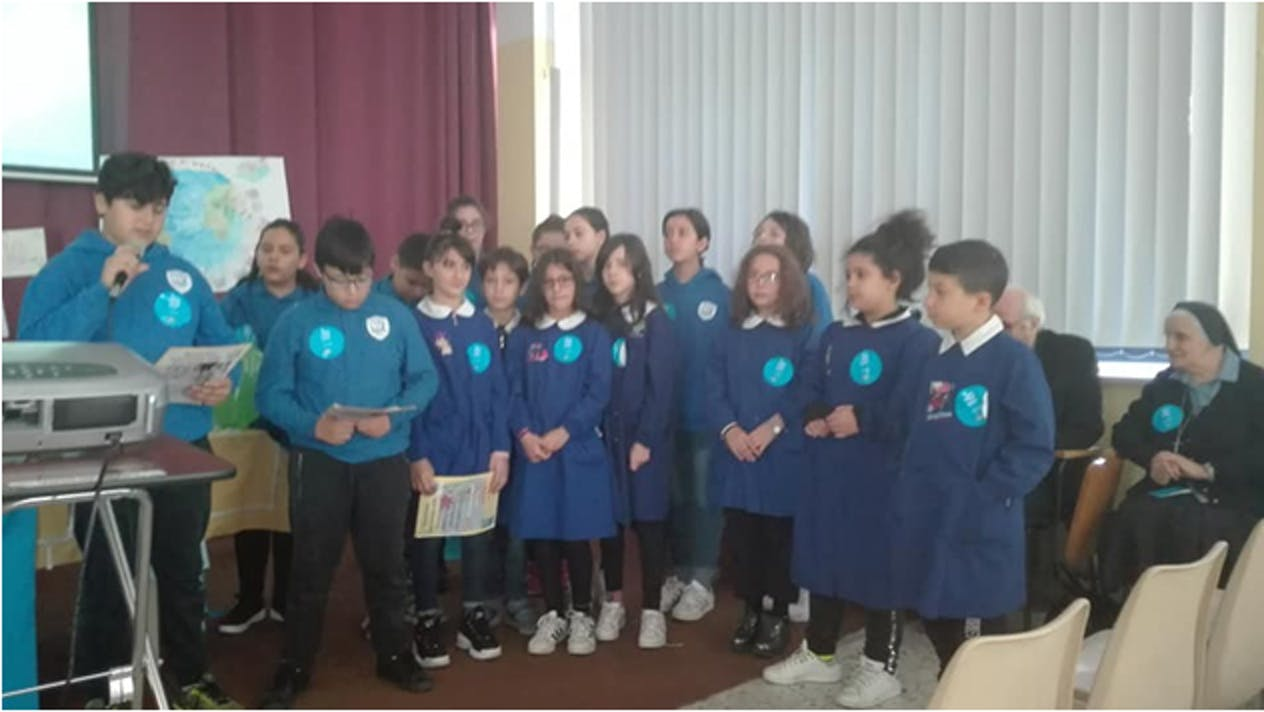 Alcuni alunni della scuola di Vaglio (PZ)