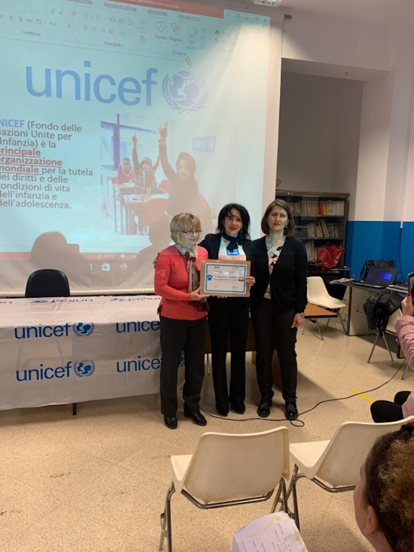 La consegna dell'attestato Scuola Amica dell'UNICEF