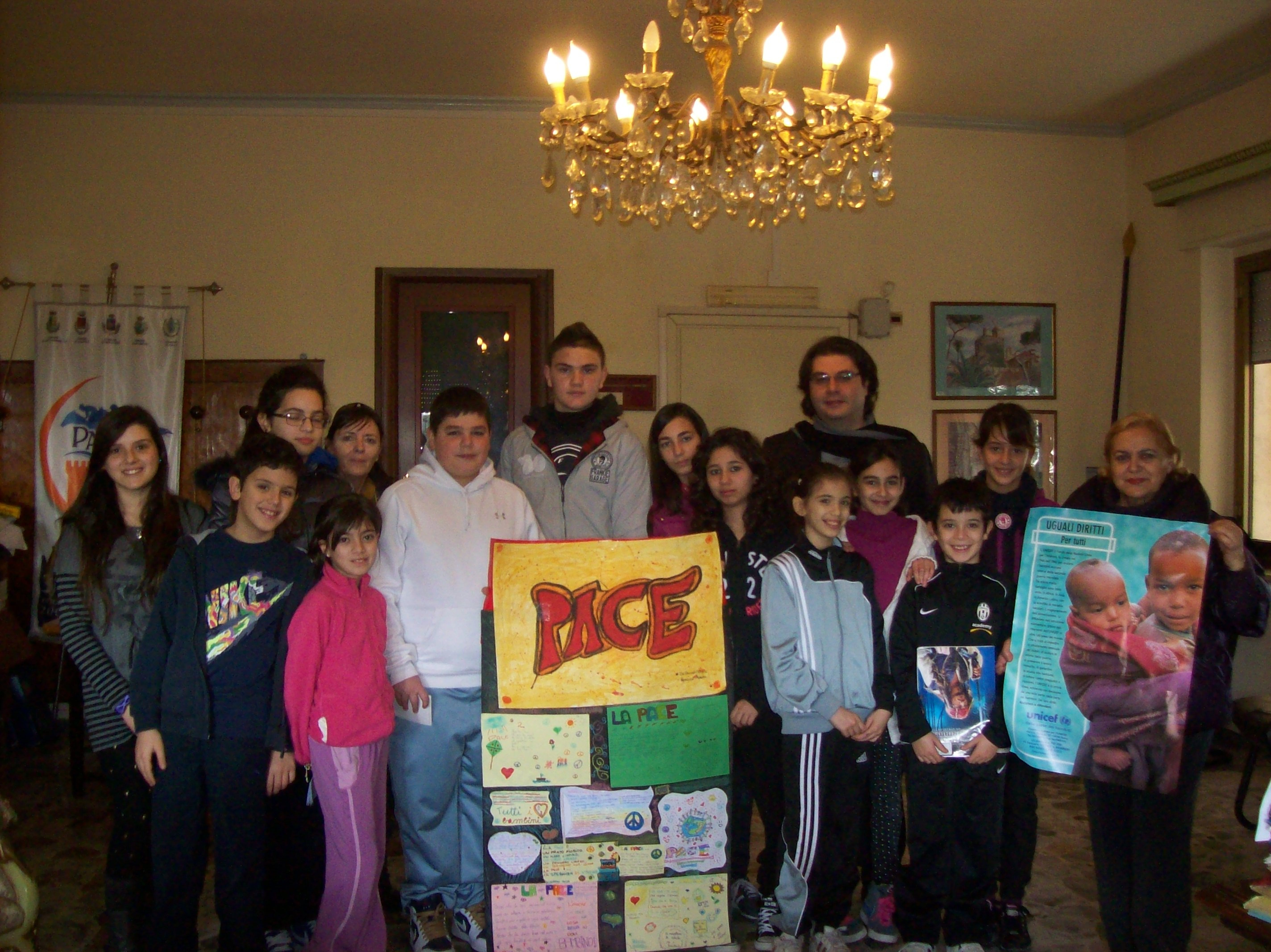 Un gruppo di adolescenti incontra il Sindaco di Santa Marinella