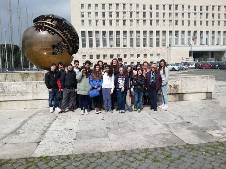 Civitavecchia: la Farnesina apre le porte ai piccoli artisti UNICEF